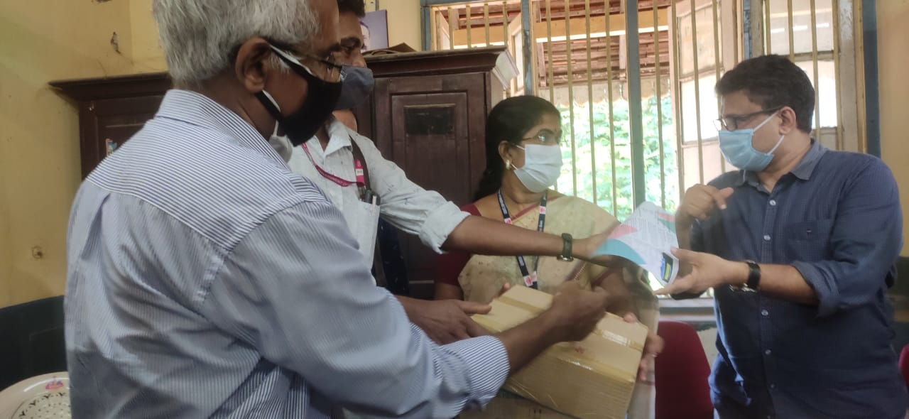 CET Oxymonitors handed over to General Hospital by HoD, Dr. Biji Jacob